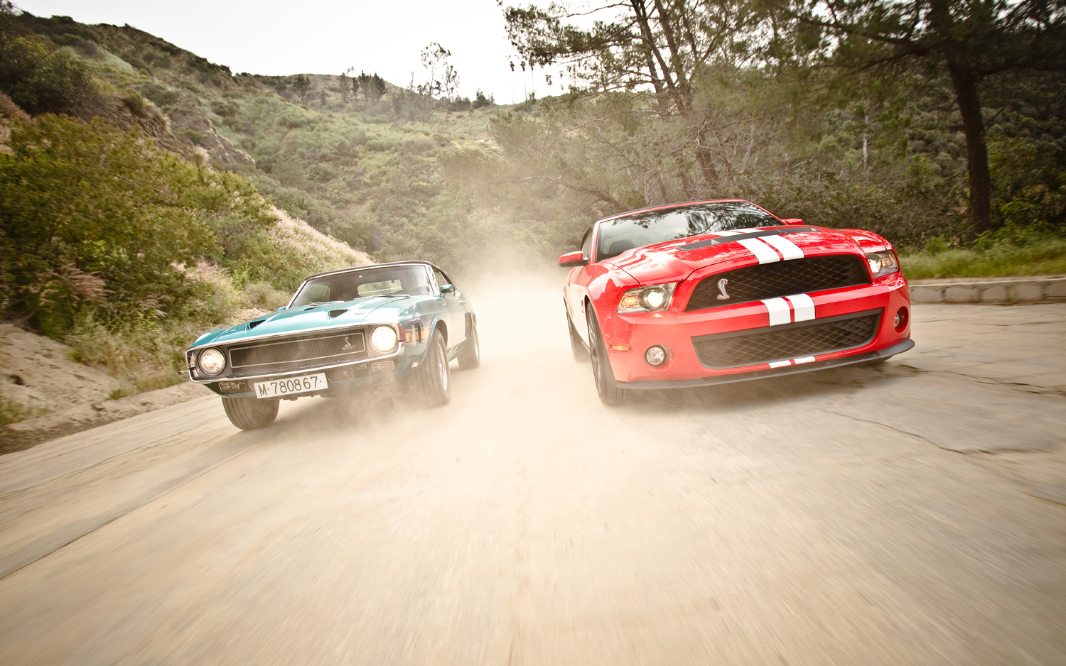 old-vs-new-shelby-mustang-gt500-convertible-front-end